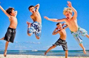 como cuidar niños en la playa